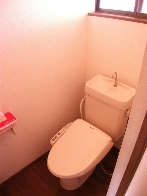 ツインパークせせらぎ西館 205号室のトイレ