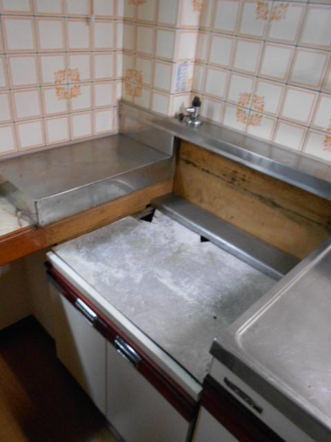 鈴木様戸建のキッチン