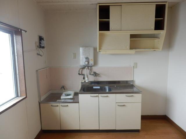 東栄マンション 302号室のキッチン
