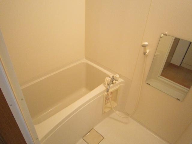ピュアコート 102号室の風呂
