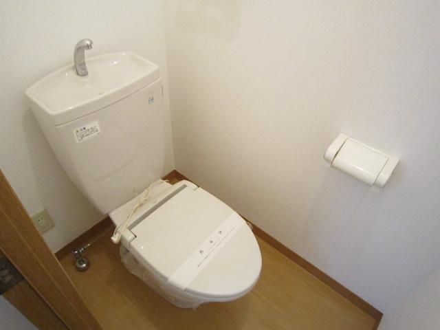 ピュアコート 102号室のトイレ