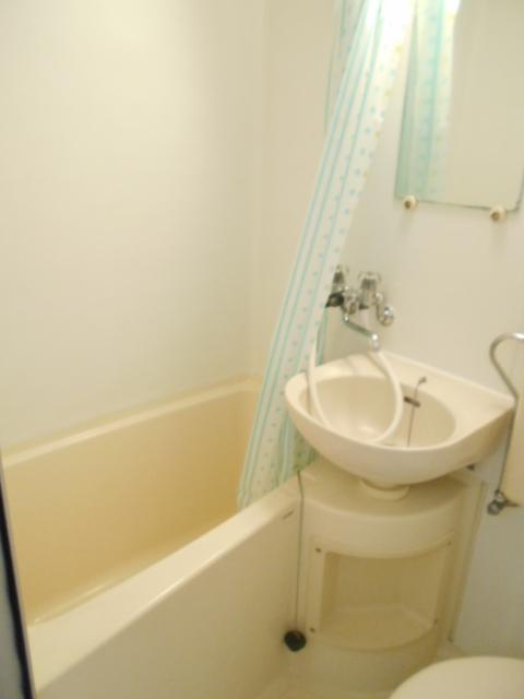 白銀シティハイツ 208号室の風呂