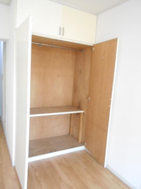 白銀シティハイツ 208号室の収納