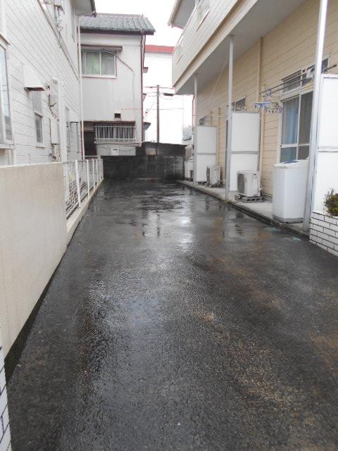 ルネパレス大岡Ⅱ 102号室の駐車場