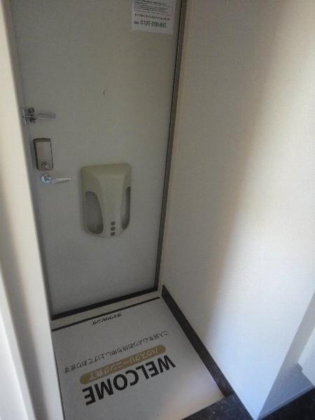 YEBISU Ⅱ 101号室の玄関