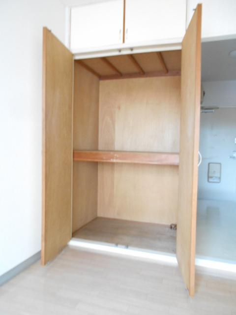 ヤマユ森マンション 202号室の収納