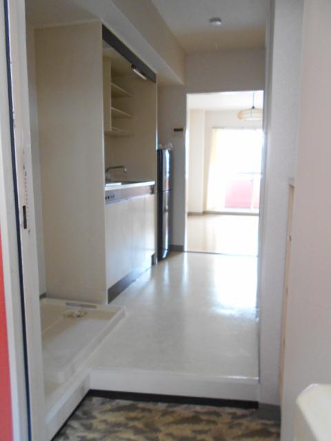 ヤマユ森マンション 202号室の玄関