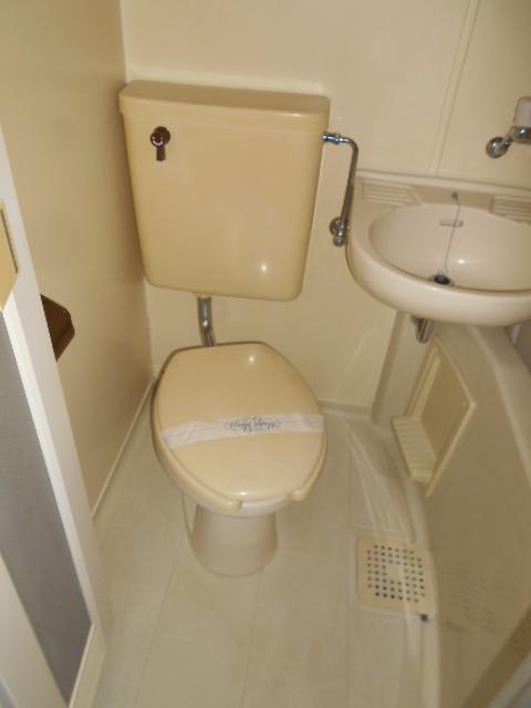 ヤマユ森マンション 202号室のトイレ