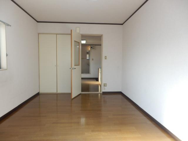 S・Kパレス 203号室のリビング