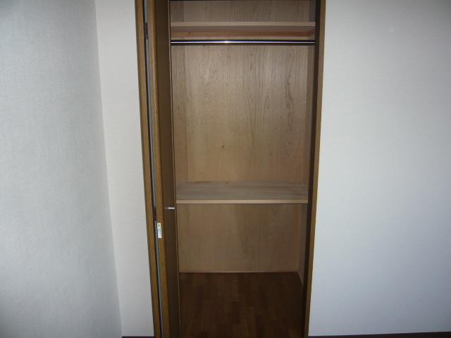 ベル・コリーヌ富貴ノ台 602号室の収納