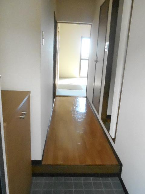 ロッククラウドマンション 303号室の玄関