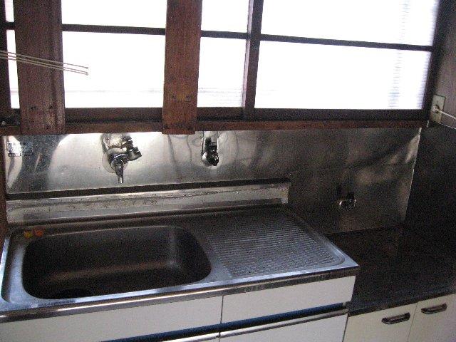 松林荘 5号室のキッチン