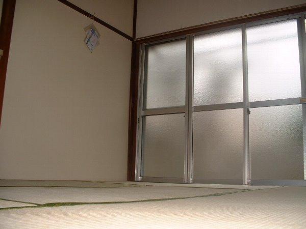 松林荘 8号室の居室