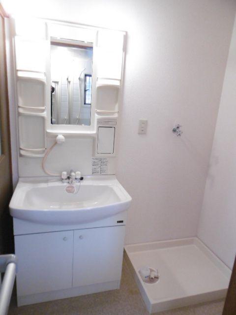 コーポサンフラワー 102号室の洗面所