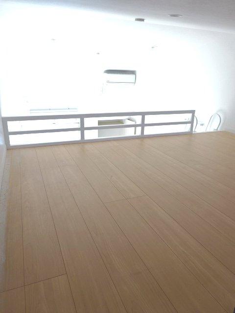 ヒルハイツ上本郷 205号室のベッドルーム