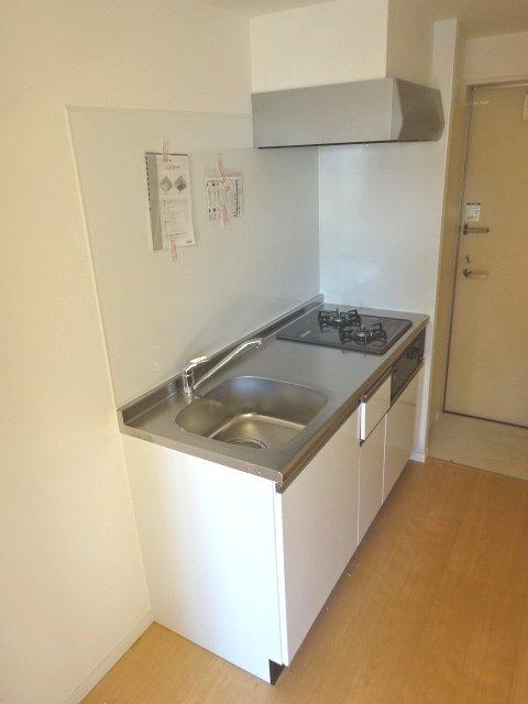 ヒルハイツ上本郷 205号室のキッチン