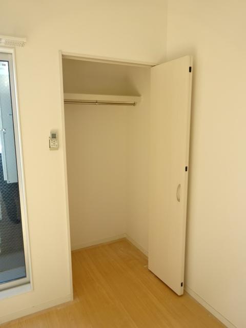 ヒルハイツ上本郷 205号室の収納