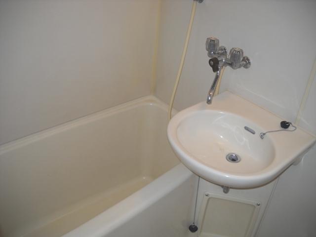 アーリーバード A101号室の風呂