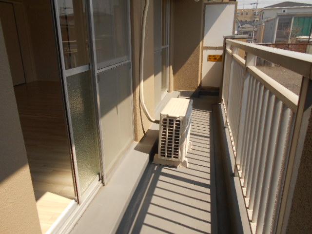 渋谷コート2号館 402号室のバルコニー