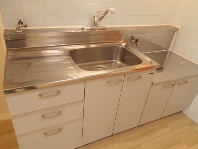 渋谷コート2号館 402号室のキッチン