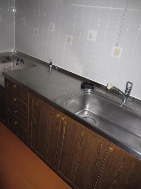リバーサイドコート 109号室のキッチン
