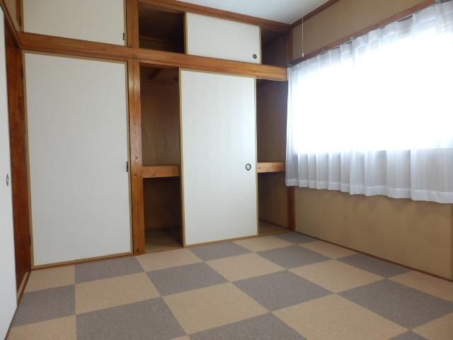 スターハイツ 7号室の居室
