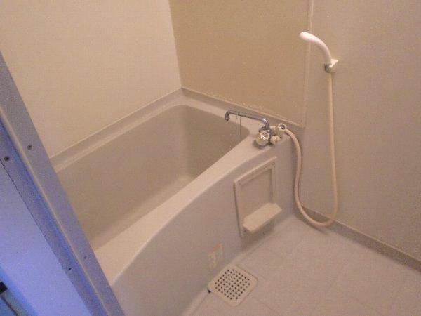 ハイアメージュ 305号室の風呂