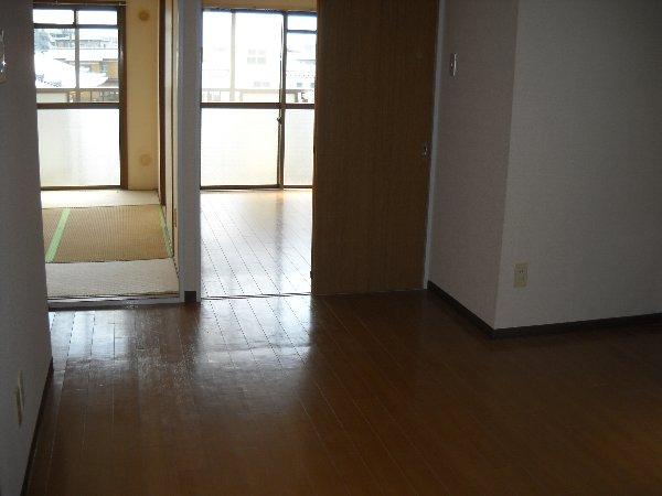 ハイアメージュ 305号室の居室