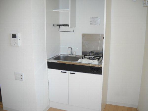 ゼフィール大宮 201号室のキッチン