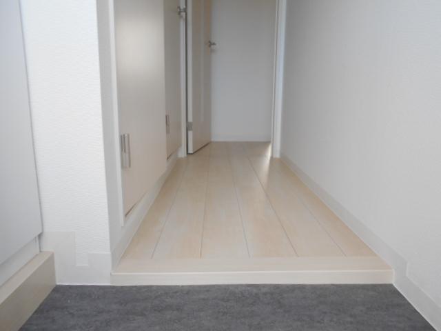 プランドール 202号室の玄関