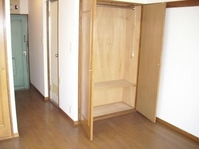 パルスクエアー・サノ 207号室の収納
