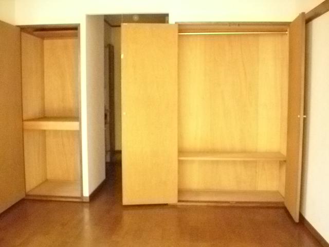 パルスクエアー・サノ 103号室の収納