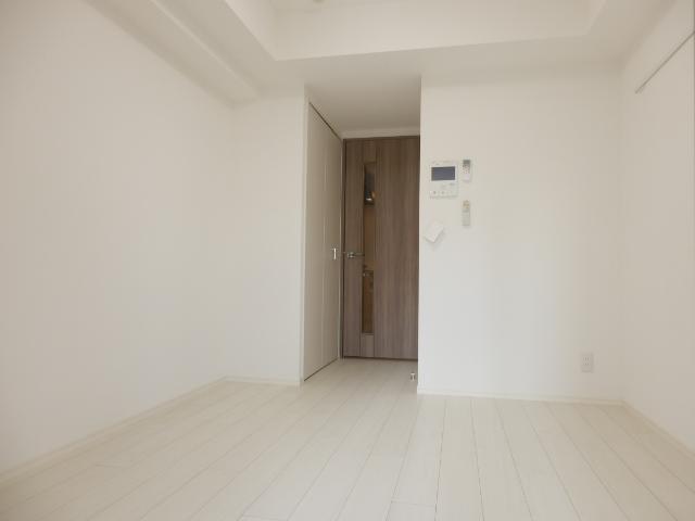 グランド・ガーラ立川 1104号室のリビング