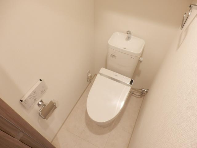 グランド・ガーラ立川 1104号室のトイレ