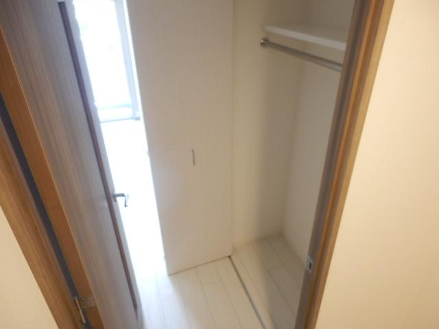 グランド・ガーラ立川 1104号室の収納