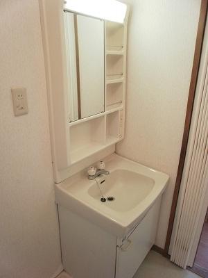 シティサイド鬼頭 A201号室の洗面所