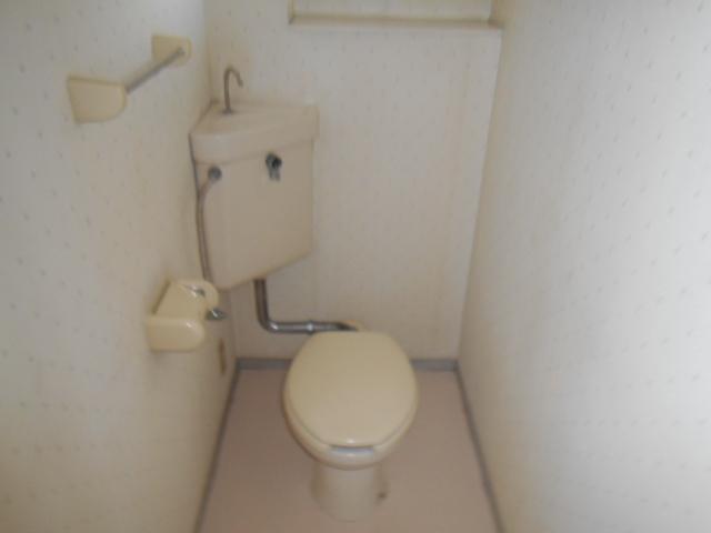 たけのこ村 203号室のトイレ
