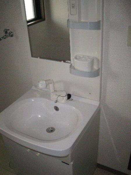 T,s Marcher 2-B号室の洗面所