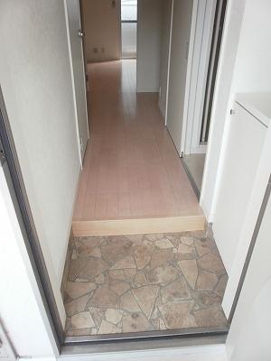 LUNA ROCCIA 207号室の玄関