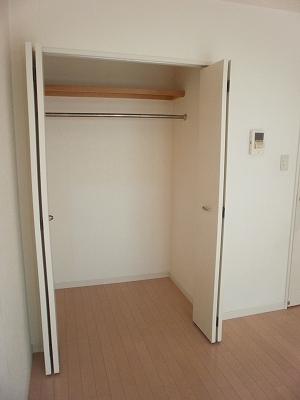 LUNA ROCCIA 207号室の収納
