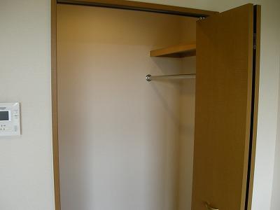 ソレイユハイヅ 105号室の収納
