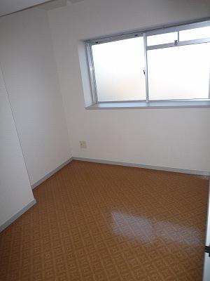 第2みゆきビル 202号室のベッドルーム