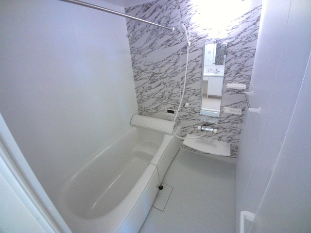 ZILLION A棟 103号室の風呂