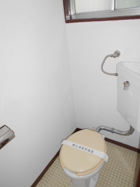 第二コーポ保木間 201号室のトイレ