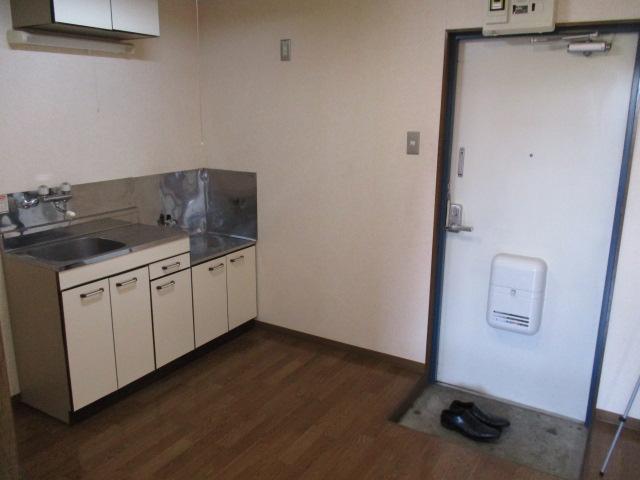 グランドォール宇都宮 208号室のキッチン