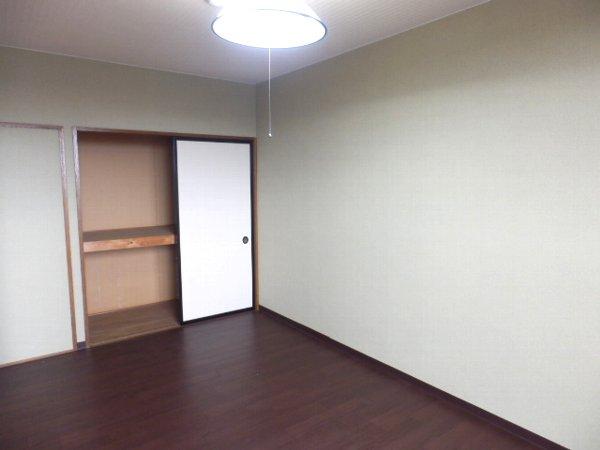 グランドォール宇都宮 503号室の玄関