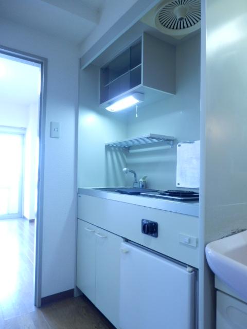 ドミールナカムラ 405号室のキッチン