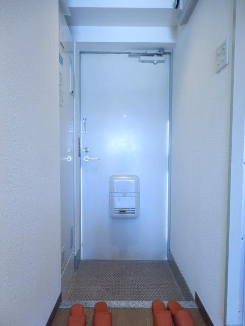 ドミールナカムラ 405号室の玄関
