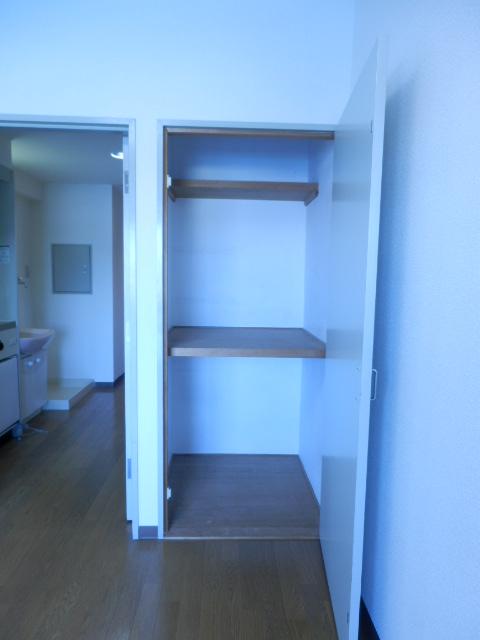 ドミールナカムラ 405号室の収納