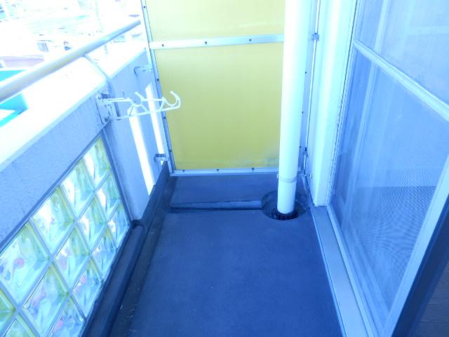 ドミールナカムラ 405号室のバルコニー